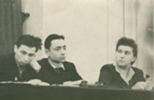 Президиум диспута в ТГУ. 16 декабря 1956 г. Слева направо: А. Конторович, Е. Дун, Л.С. Фирюлина