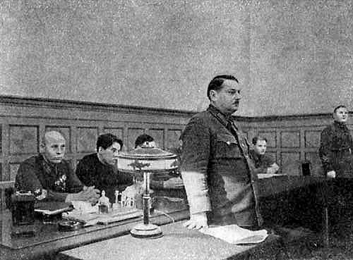 Заседание Оргбюро ЦК ВКП(б). Фотография с сайта www.diletant.ru