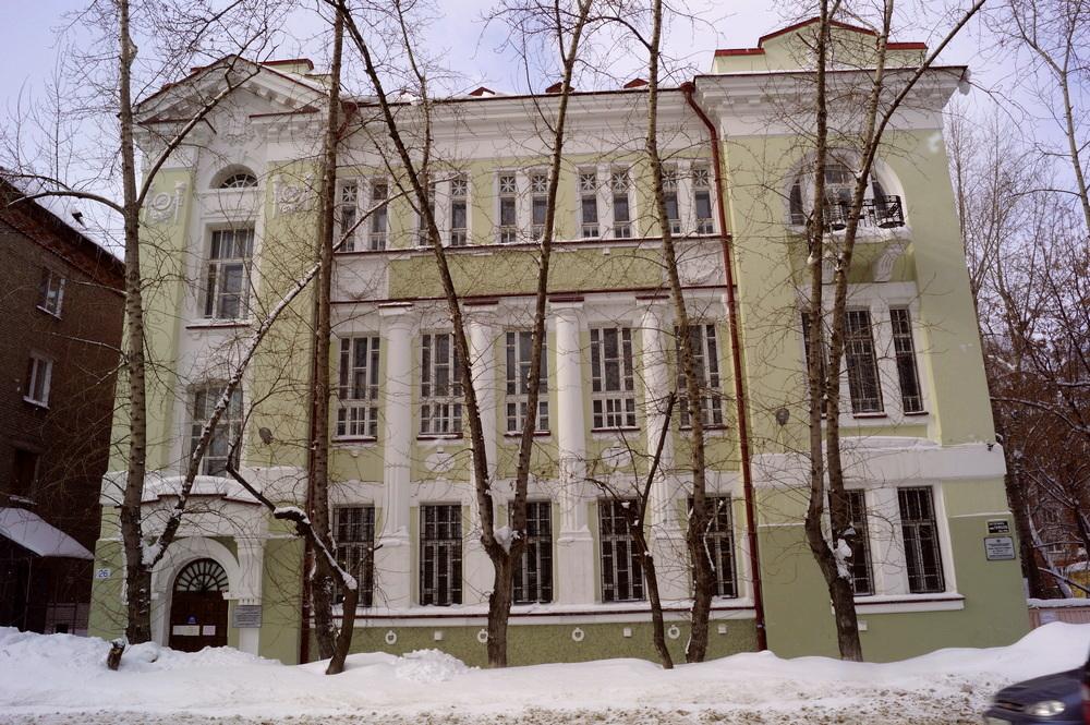 С 2012 года в здании размещается ЦДНИ ТО. Март 2013.