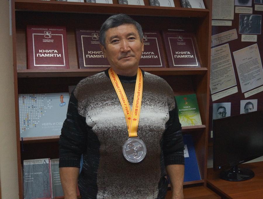Борис Кажгалиевич Юсупов - призер 22-го Кубка России по тяжелой атлетике