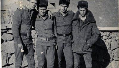 1-й слева: Руди А. Афганистан. Б/д. // ЦДНИ ТО. Ф. 5658. Оп. 1. Д. 71.1