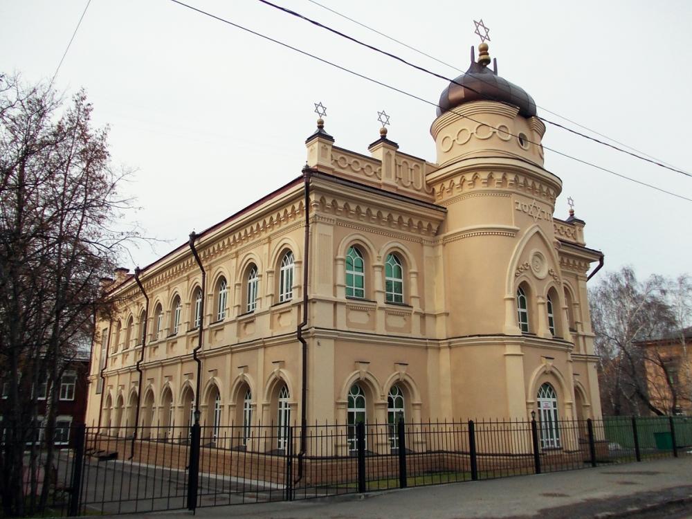 Областной суд и Наркомюст разместились на ул. Р-Люксембург 38 (корпус А) (ныне Хоральная Синагога). Фотография с сайта towiki.ru
