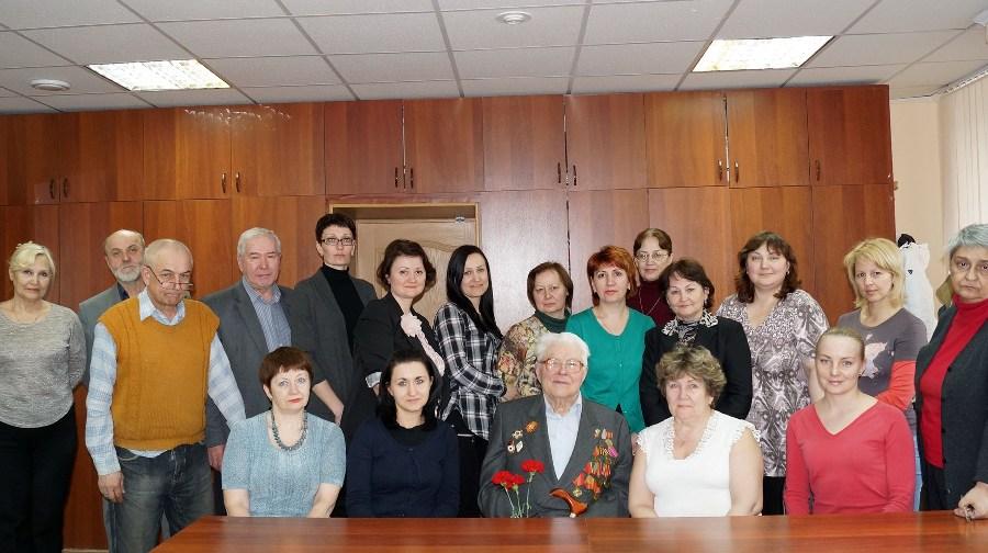 Коллектив ЦДНИ ТО на встрече с К. П. Митькиным. Фото Г. И. Кан.